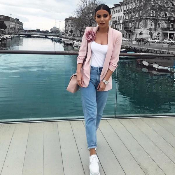 Как и с чем носить джинсы, модные модели 2019 года