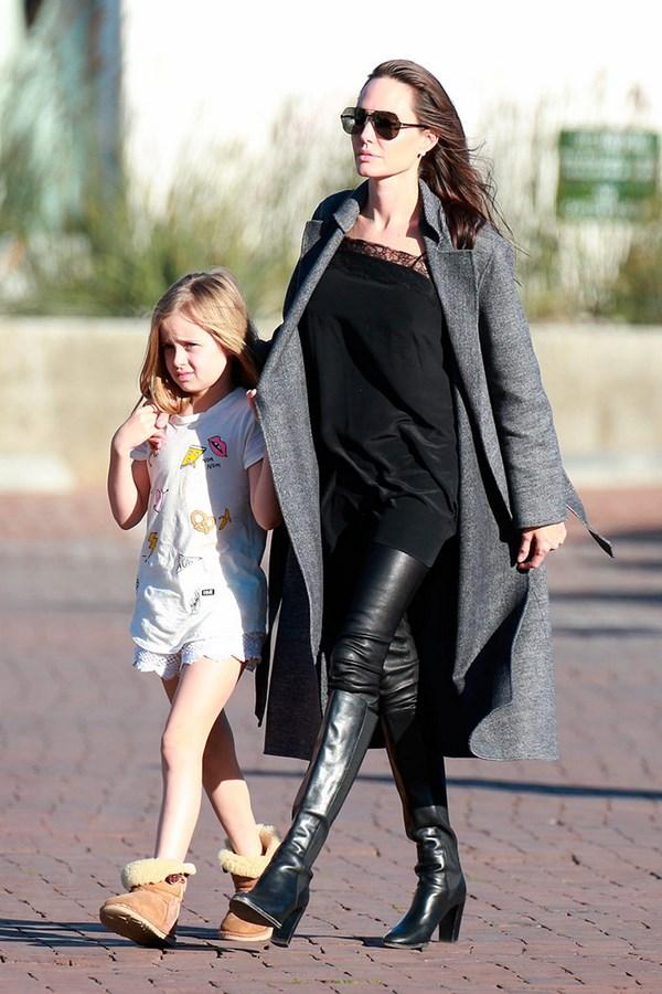 Эволюция стиля Анджелины Джоли, какие правила в одежде позволяют актрисе быть примером для многих