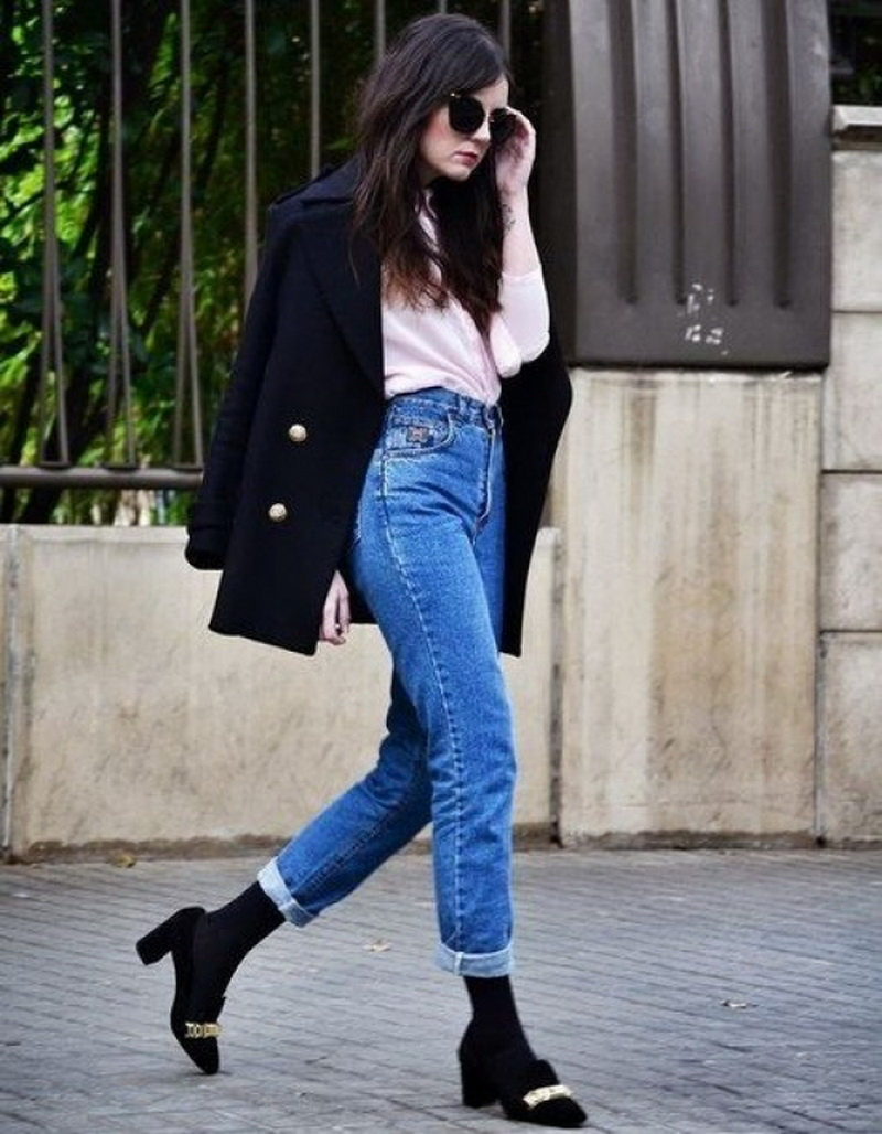 Как носить женские джинсы-бананы: 65 модных луков