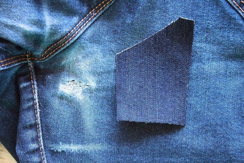 Рекомендации, как незаметно зашить джинсы между ног