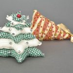 Интересные идеи новогодних игрушек из тканей