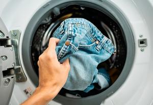 Как вывести пятна от травы на джинсах в домашних условиях
