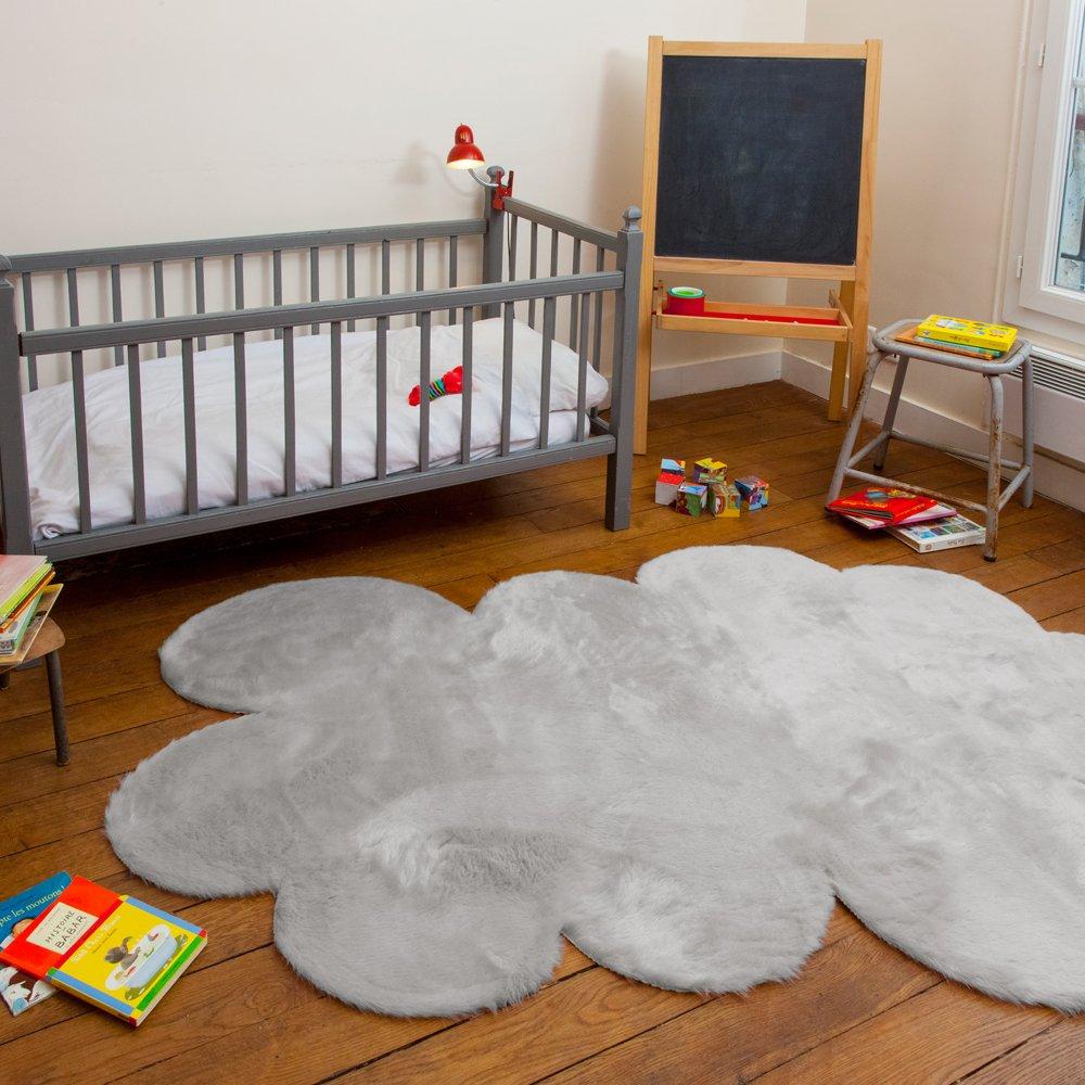 выбираем ковер в детскую комнату