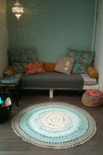 Какая форма ковра подойдет вашему пространству: круглые, овальные, прямоугольные и необычные варианты под каждую комнату