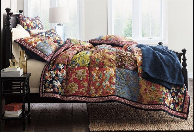 Лучшее украшение для двуспальной кровати — стеганое покрывало