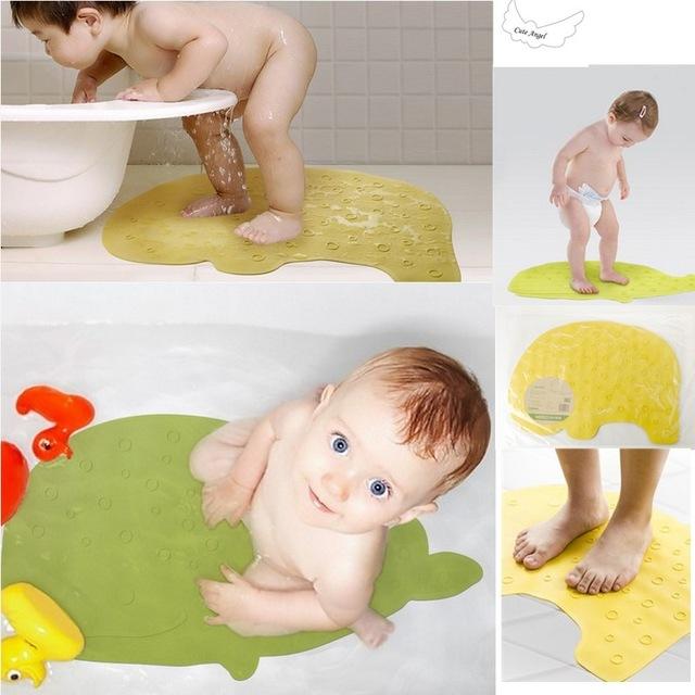 детский антискользящий коврик в ванну