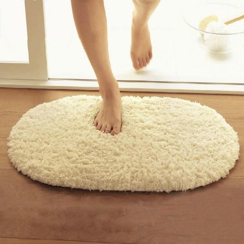 Стирка мягкого коврика для ванной