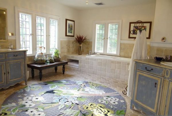 стирать ли ковер для ванной комнаты
