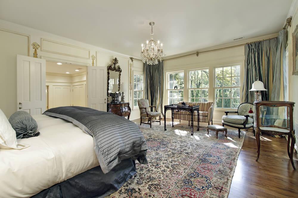 большой ковер в спальне