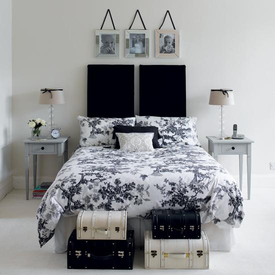 Строгая монохромная спальня