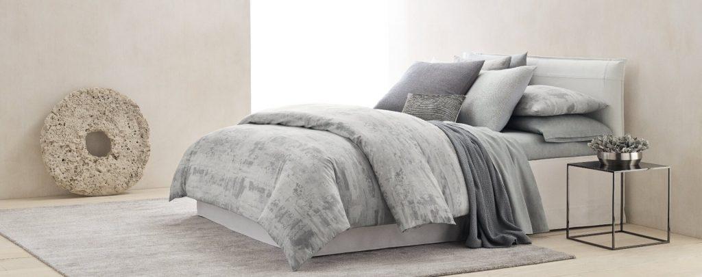 calvin-klein-покрывало стеганое серого цвета