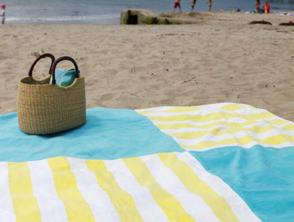 пляжное покрывало из полотенца