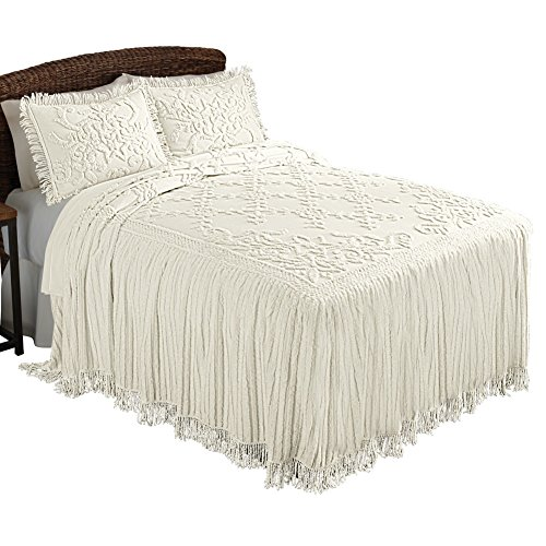 белое покрывало с вышивкой
