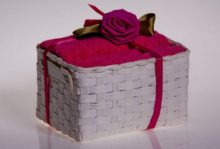упакованные полотенца в подарок