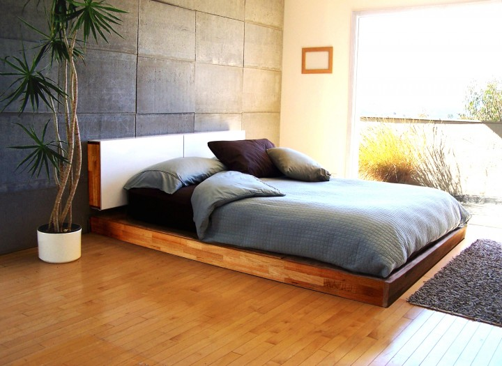 красиво застеленная кровать