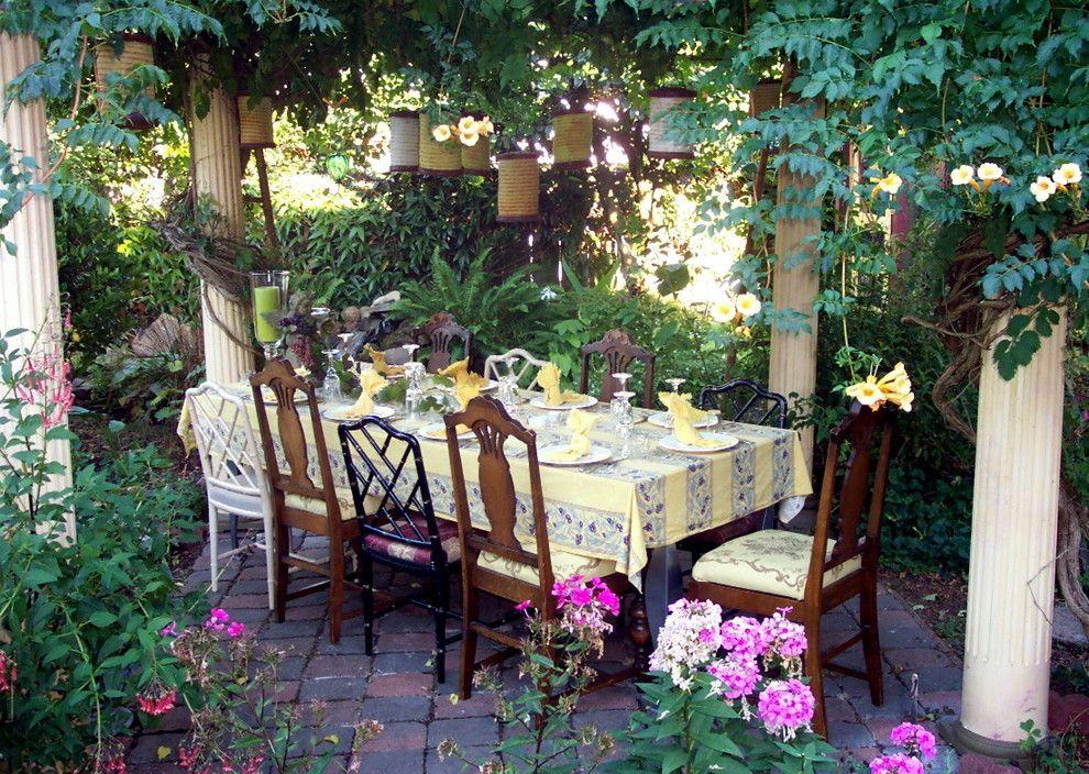 скатерть на стол во дворе
