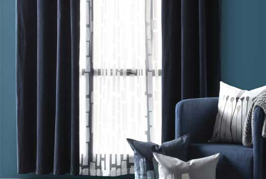 современный стиль штор в интерьере