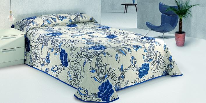 Двухстороннее покрывало на кровать