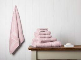 белые банные полотенца