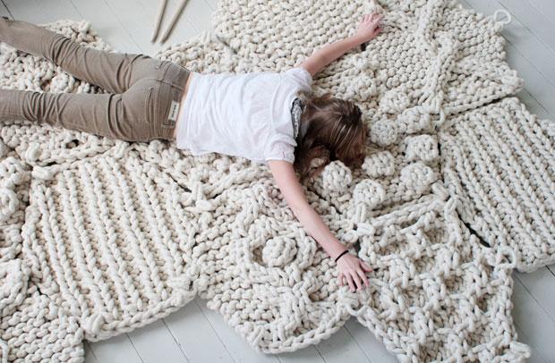 вязанные коврики в интерьере