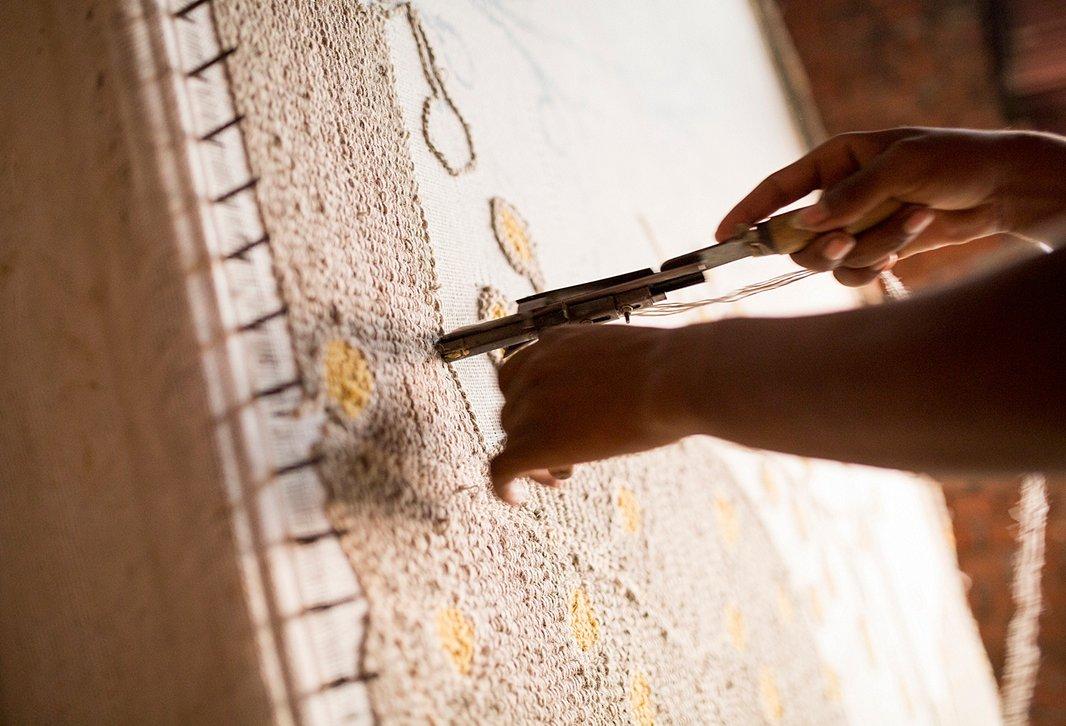 плетение ковра вручную