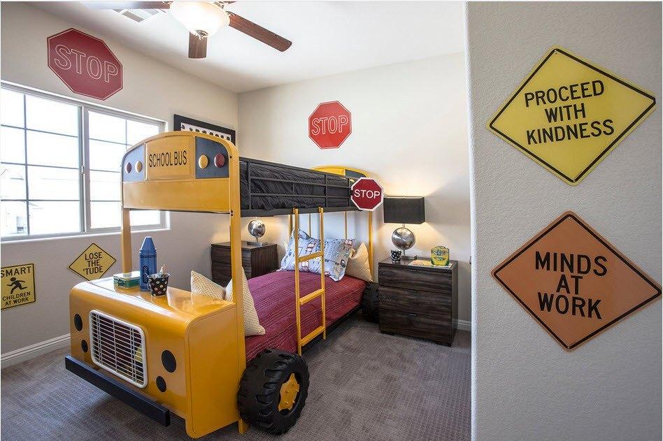 Кровати в виде автомобиля для детской комнаты: яркий элемент интерьера