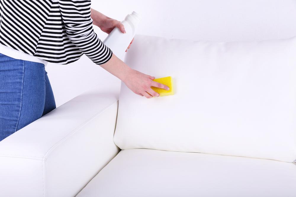 Чем оттереть ручку с кожзама? 40 фото Как отмыть чернила с мебели из белой кожи, чем вывести пятна от пасты шариковой ручки с кожзама и экокожи